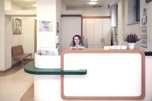Recepcja gabinetu stomatologicznego w Warszawie